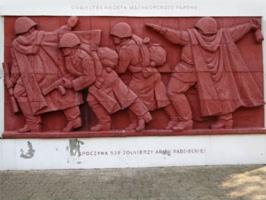 Zabytki przy noclegach - Cmentarz Wojenny Żołnierzy Radzieckich