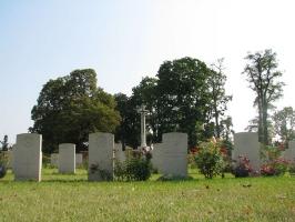 Zabytki przy noclegach - Cmentarz Wspólnoty Brytyjskiej